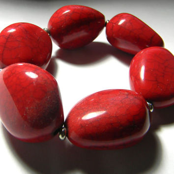 Vintage bracelet, Large red stones - elasticated