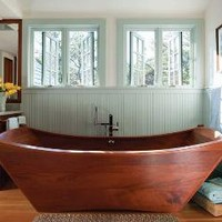 House of Turquoise: Incredible Wooden Bathtub