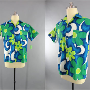 Vintage 1960s Hawaiian Shirt / 60s Aloha Men's Shirt / Vintage Mid-Century Menswear / Blue Hawaii / Tiki Polynesian Shirt / Royal Hawaiian
