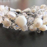 Wedding Freshwater Pearl and Crystal Bracelet