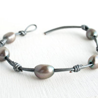 Gray pearl leather bracelet, silver metallic leather bracelet, Easter Jewelry, Boho bracelet