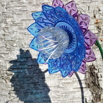 Flower Garden Stake, Outdoor Garden Art, Indoor Plant Decor, Recycled Art, Glass Yard Art, Glass Plate Flower, Outdoor Vintage Decor
