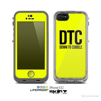 The Yellow & Black Down to Cuddle Skin for the Apple iPhone 5c LifeProof Case