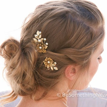 Large Vintage Fower Bobbie Pins with Gold Leaves and Pearls Hair Accessories, Wedding Hair, Vintage Wedding Hair