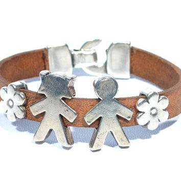 Gorgeous leather bracelet with boy and girl in zamak * bracelet with children for mom * brown bracelet * gift for mother * women's brac