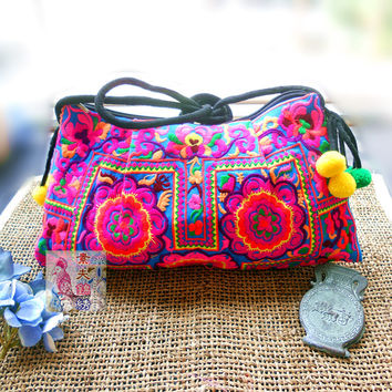 Free Shipping !National trend handmade fabric embroidery embroidered bags shoulder messenger bag day clutch