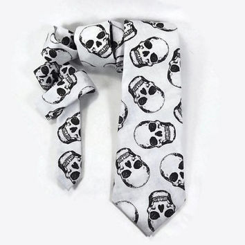 Skull necktie, skeleton tie, black and grey mens tie, Halloween tie, Dia de los Muertos tie, creepy skull, day of the dead, grey skulls