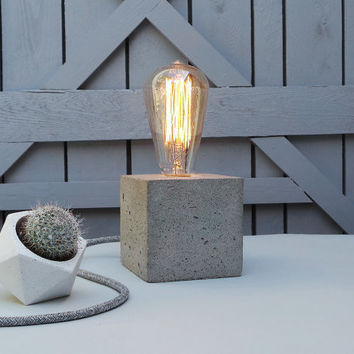 "Concrete Lamp ""The Cube"" - Lighting - Table lamp with grey concrete and grey textile cable and vintage Edison bulb"