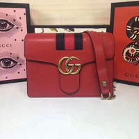 GUCCI WOMEN'S LEATHER INCLINED SHOULDER BAG
