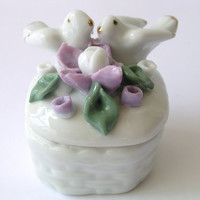 Lovely Small Box - Engagement Rings - Vintage Porcelain - with Pigeons in Love