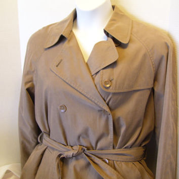 Sale Additional 40% Off Women's London Fog Trench Coat //  Raincoats Size 12/14  Khaki / Beige / Taupe  Zip Out Lining Classic Quality