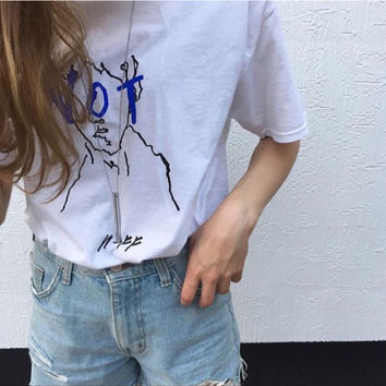 "White ""NOT"" Letter and Man Print T-Shirt"