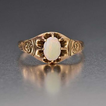 Edwardian Charming 10K Gold Opal Solitaire Ring