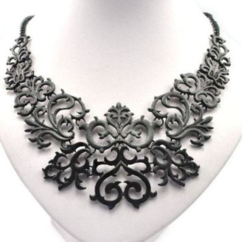 ONETOW Retro hollow engraved short clavicle chain necklace