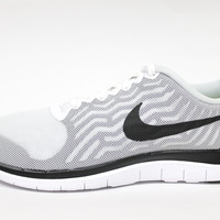 Nike Women's Free 4.0 White/Black Running Shoes 718412 100