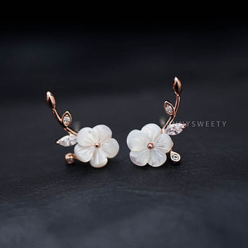 bridesmaid gift, ear jacket, ear cuff jacket, gold ear jacket, Floral simple, unique Pearl Shell flower earrings, pearl earrings