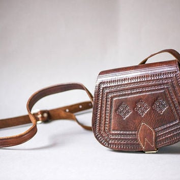 Vintage Tooled Leather Saddle Bag - Dark Brown Women Bag - Genuine Leather Sturdy Bag - Hand made phones bag - Boho crossbody bag festival