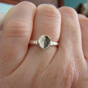 Womens Jewelry Petite Leaf Ring with Fine Silver Band