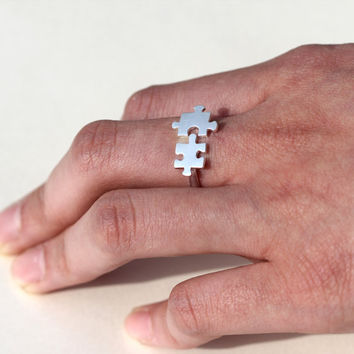 Of the Memory Puzzle Ring /Fit The Pieces Of Memory