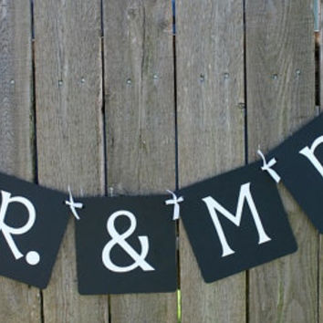 Mr. and Mrs. Wedding Banner / Wedding Decoration / Garland / Photo Prop / Wedding Sign / Wedding Reception / Black and White