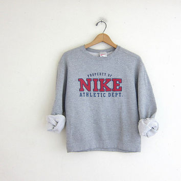 vintage gray NIKE sweatshirt. cotton blend sweatshirt.