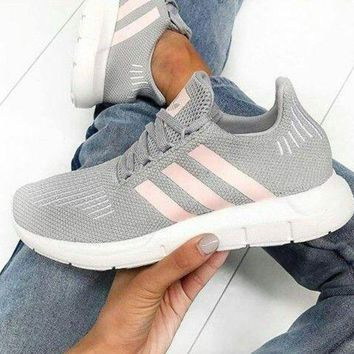 Adidas Swift Run Fashion New Sports Leisure Running Women Shoes Gray ea45a3435