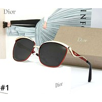 Dior Tide brand female models driving large frame polarized sunglasses #1