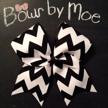 Black & white chevron bow