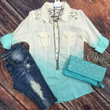 Pleasantly Surprised Ombre Top: Mint