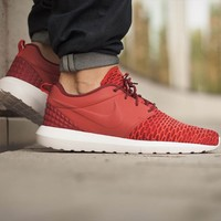 "Roshe Nm Flyknit Prm ""Gym Red"""