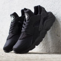 NEW NIKE AIR HUARACHE TRIPLE BLACK BLACKOUT ALL BLACK 318429-003