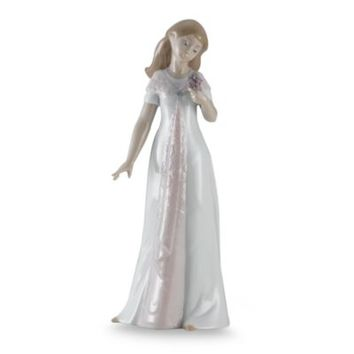 Nao® by Lladro Elegant Pose Porcelain Figurine