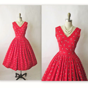 50s Red Dress // Vintage 1950s Embroidered Red Barkcloth Valentine's Day Full Cocktail Party Dress XS