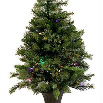 Christmas Tree - Features A Mixture Of Perfectly Molded Light Green Pe Tips And Long Needle Bottle Brush Tips That Are Mixed With Traditional Pvc Tips