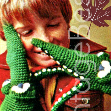 CROCHET Crocodile Mittens 1970s Vintage Crochet Pattern Winter Christmas Cold is warmed by these gaping mouths that don't cry any tears :)