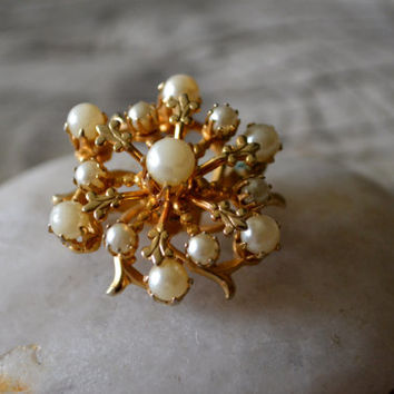 Vintage Three Dimensional Gold and Pearl Brooch 1960's