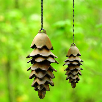 "SPI Home 32730 One Large Pinecone Wind Chime (22.5"" x 4"" x 4"")"