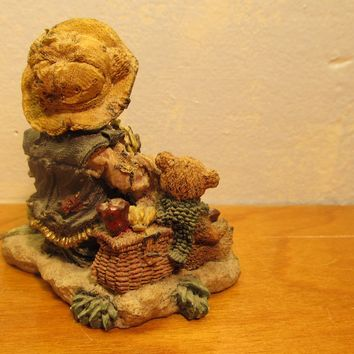 classic beartiques by Christhamas Corp.  1997 bear figurine