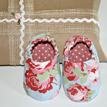 Handmade baby crib shoes Cath Kidston Rosalie blue Pink polka dot fabric Reversible slippers boots booties Sizes from 0 -18 months
