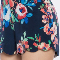 Roses Printed Scallop Shorts - Navy