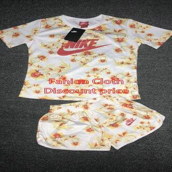 Nike Sportswear Floral Womens Short Sleeve Printed Top Yellow
