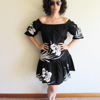 Vintage 70s 80s Sidan Oversize Black and White Off the Shoulder Hawaiian MuuMuu Dress
