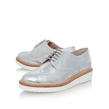 Knox low heel lace up shoes