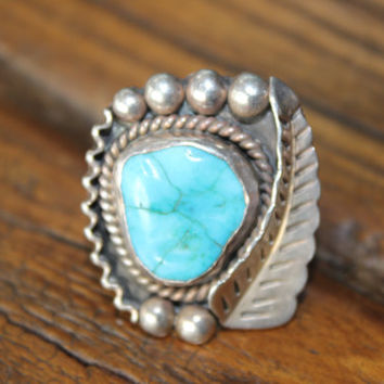 Vintage Old Navajo Turquoise Ring Leaf and Nugget Design