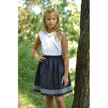 Girls embroidered linen skirt. Blue.