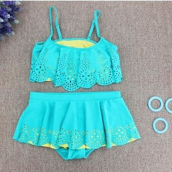 New Hot Hollow Design Lovely Kids Swimsuit Quality Girls Swimwear Teenagers Two-pieces Bath Suit Infant New Children Beachwear