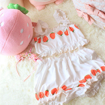 Cute Japanese style strawberry graphic pajama sets women cotton underwear set bar pants 2 pcs for girl white color homewears set