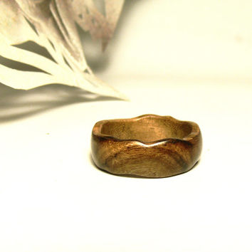 20%Xmas SALE Natural Wedding band Mens wedding band Hand Carved Wood ring Unusual wedding rings Everydays Wear OOAK Unisex ring Holiday Gift