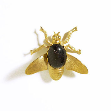 1970s Black Sparkly Brass Fly Cabochon Pin