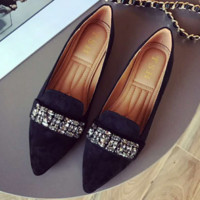 New type of women's single shoes with a pointed face of water-drill flannelette